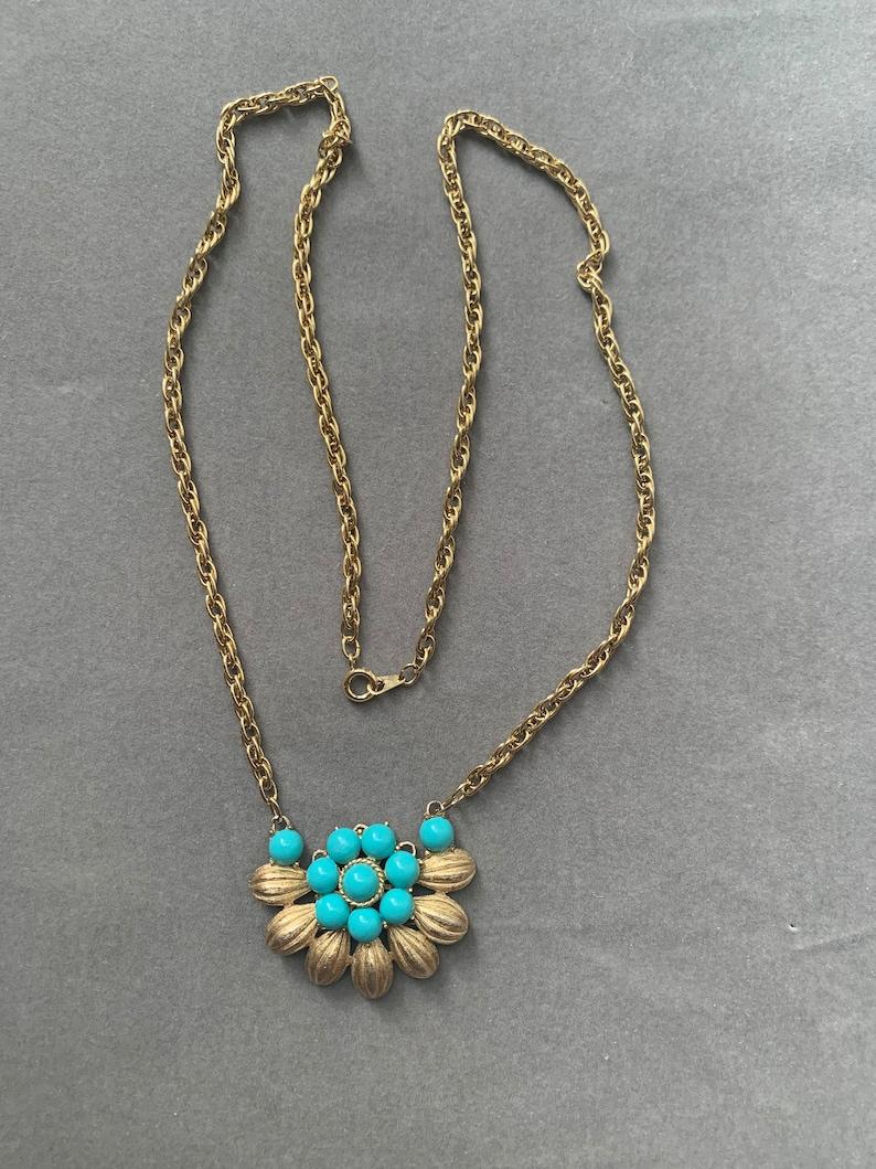 Vintage Trifari turqouise and gold pendant necklace