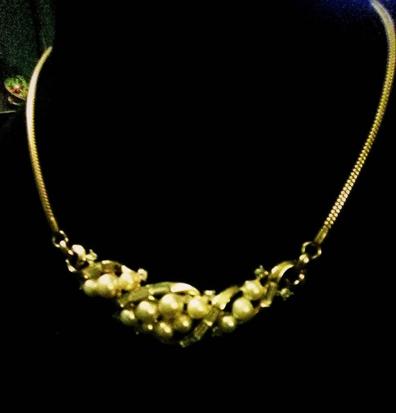 Crown trifari crystal necklace