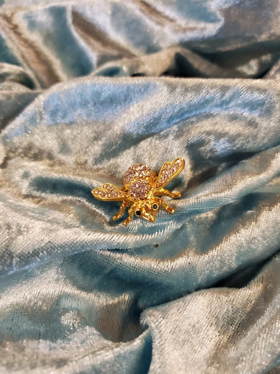 Joan Rivers Vintage Rhinestone Bumble Bee Brooch/