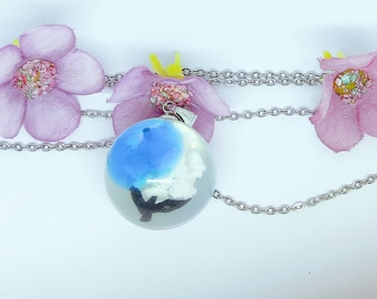 Birth flower jewelry Dainty necklace Resin pendant Nature lover gift Nature jewelry Moon charm Sea white and pink necklace