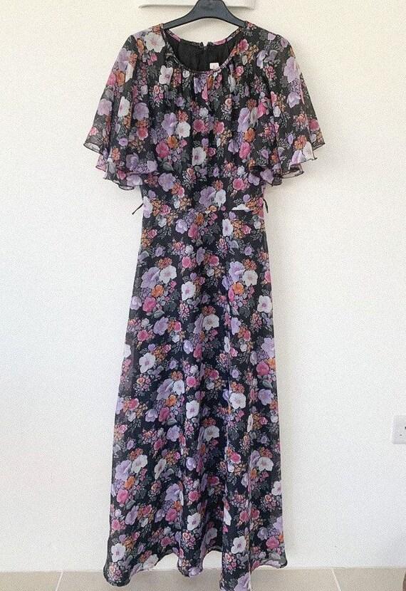 Beautiful 70s maxi printed dress