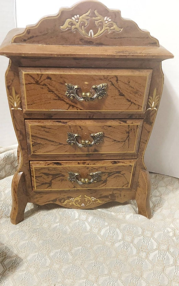 Antique burl jewelry music box. Burl 3drawer antiq
