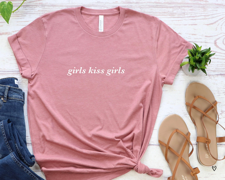 Mädchen Kuss Mädchen Lesben Bisexuellen LGBTQ T-Shirt | Etsy