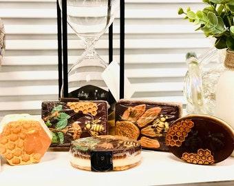 Honey Oatmeal Exfoliating Soap|Honey Vanilla Scent|Aromatherapy|Homemade Soap|Dry Skin Bath Body Bar