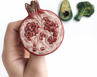 Pomegranate brooch / Hand embroidered brooch pomegranate / Fruit Pomegranate pin / gift for her Pomegranate gift Woman jewelry