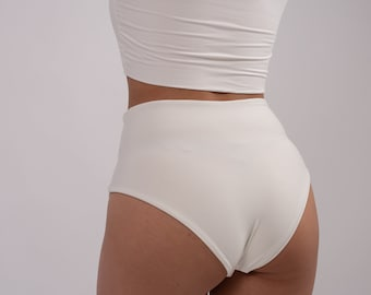 Classic traditional String Y fronts with a double seat and high waist
