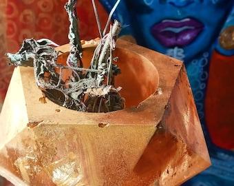 Crown alter crystal holder by Queendom jewles