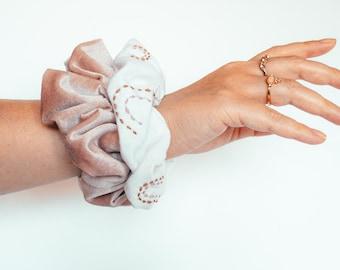Pink velvet scrunchie SET OF 2, embroidered velvet and linen scrunchie, linen scrunchie, velvet scrunchie, velvet hair tie