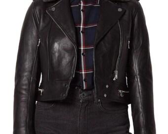 Front Pockets Left Breast Pocket and Back Strap Buttons 70\u2019s80\u2019s Vintage Women\u2019s Oxblood Red Foxmoor Blazer Leather Jacket with Lapels