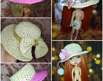 Straw hat for Blythe