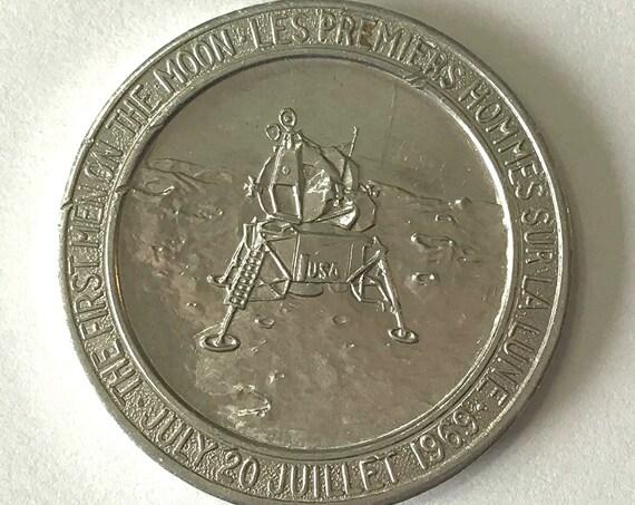 """1969 Apollo 11 MEDALLION, """"First Man On The Moon"""" Commemorative TOKEN, Medal, or COIN, Moon Landing"""