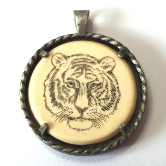 Bengal Tiger Pendant, vintage AVON pewter pendant for necklace, scrimshaw on faux ivory, from the late 70's