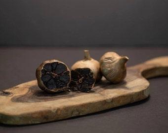 Canadian fermented black garlic