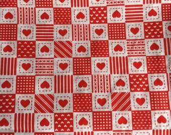Keepsake Calico Holiday White Holly Toss in Red 100/% Cotton PRE-CUT Fabric