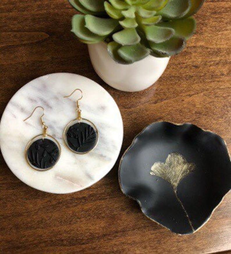 sleek ring dish Ginkgo leaf ring dish leaf ring dish small jewelry bowl holder black and gold ring dish