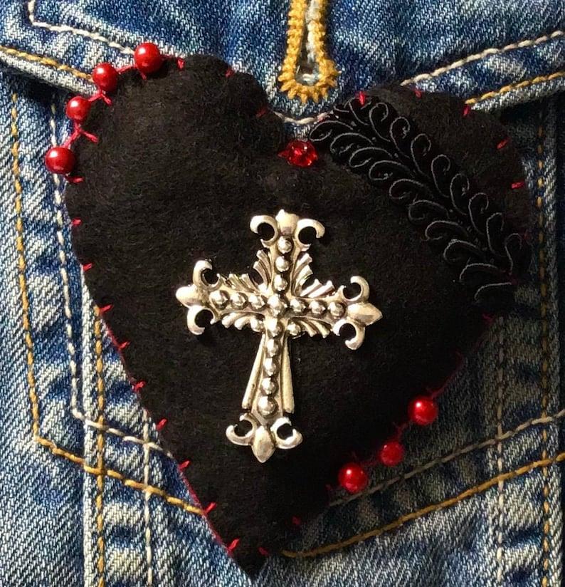 Red And Black Brooch Black Felt Crucifix Brooch Goth Pin Gothic Crucifix Brooch