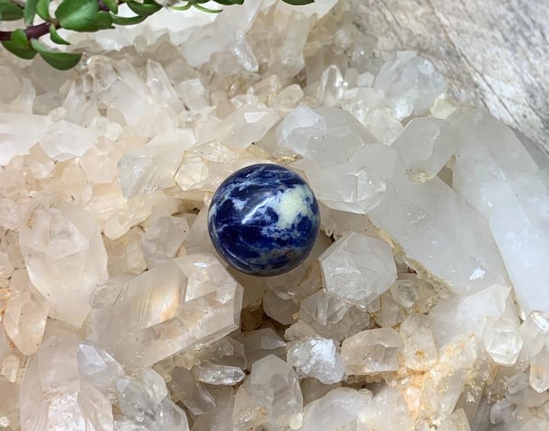 BIN-0278 Approx 1\u201d Sodalite Polished Sphere Stone.