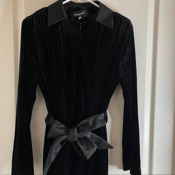 VINTAGE Fleurette NY velvet evening gown/robe