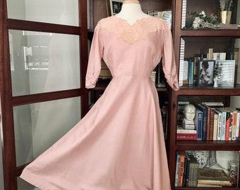 Vintage 1940s Mauve Silk Taffeta Party Dress