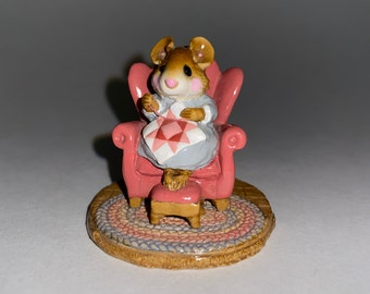 M070 Signed Vintage Collectible Figurine in Original Box Me and Raggedy Ann Wee Forest Folk Mouse Figurine