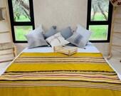 Throw Blanket - Moroccan Blanket - Pom Pom Blanket - Handwoven Moroccan Blanket - Soft Pompom Blanket - Berber Blanket - Bedroom Decoration