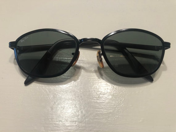 Vintage 80's RayBan sunglasses.