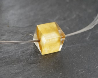 Minimalist Cube | Pearl in cube shape | Pendant in 22k gold leaf embedded in casting resin