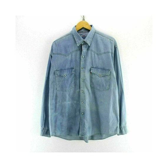 Vintage Levi's Men's Denim Shirt Light Blue Size X