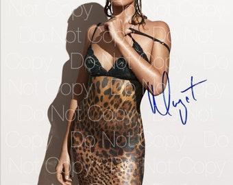 Margot Robbie 8X10 Photo Print