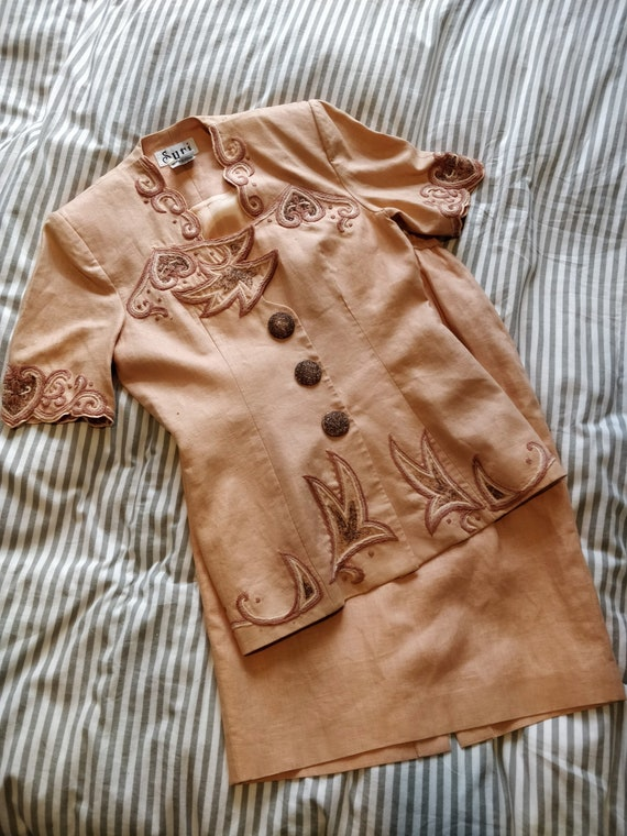 Vintage Peach Linen Suit   Suri Hand-embroidered H