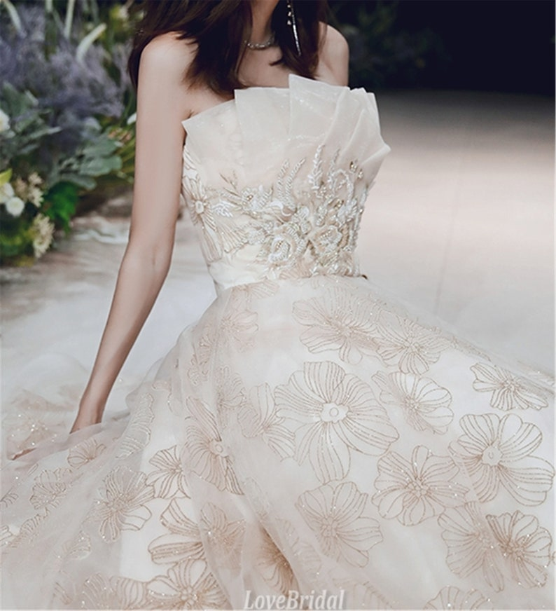 Strapless prom dress Champagne Evening dress long tulle Luxury party gown with gold flower pattern Open back Prom dress lace