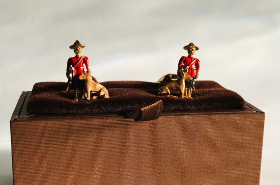 Vintage Cufflinks Mounted Troop by Sarah Coventry
