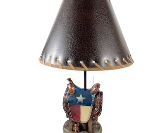 Urbalabs Texas Flag Western Saddle Horse Saddle Western End Table Standing Table Lamp Farmhouse Nightstands Living Room End Tables Lamps