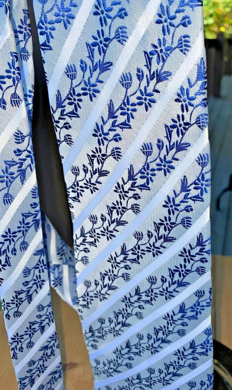 Vintage Kailong silk men necktie blue silver white