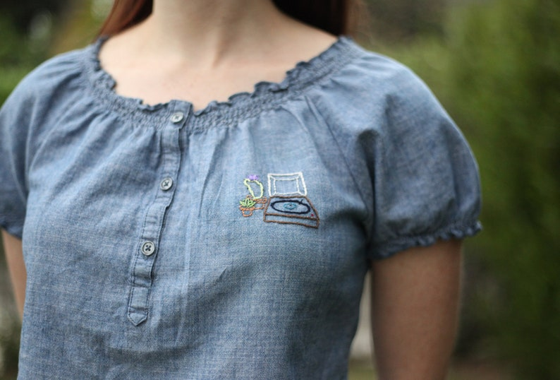 Sale Record player hand-embroidered blouse