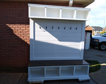 Shiplap Halltree with Upper and Lower Cubicles, Color choice