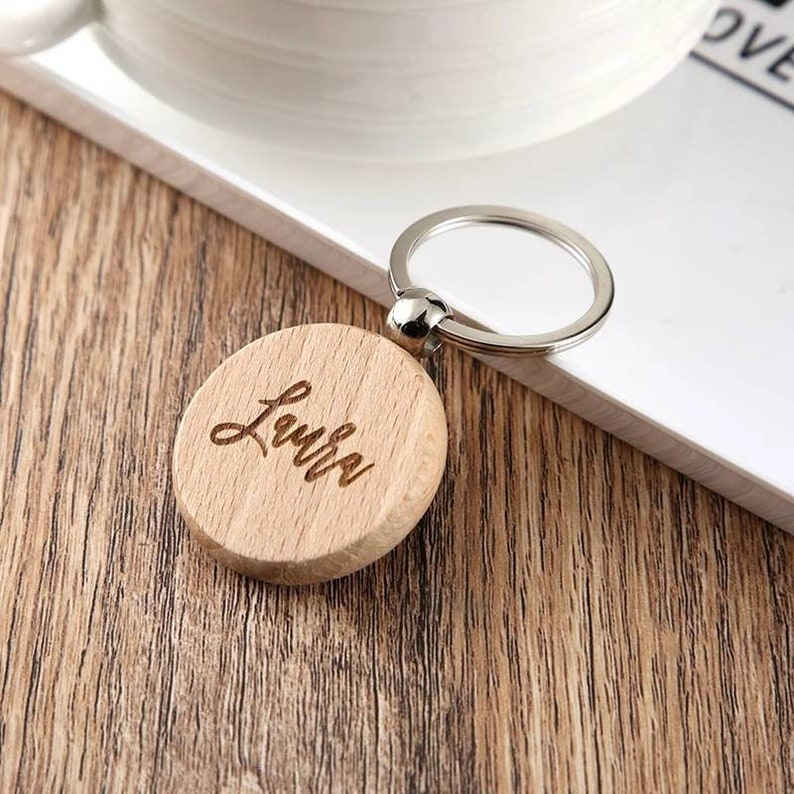Custom bamboo keyring with logo name initialie keychain wood Customized wooden accessory keyrings