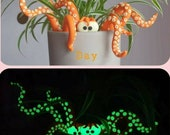 Tentacle Plant Pot Decoration. Plant Accessory. Plant Pet. Glow in the Dark. Quirky. Unusual. Gift Idea. Plant Lover. Home decoration