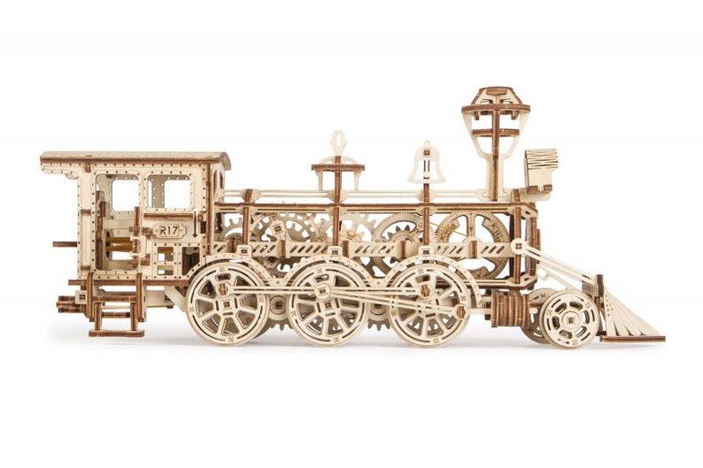 Wood Trick Locomotive R17 3d puzzle