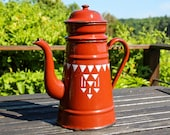 Vintage brown patterned enamel coffee pot, 1930s French rustic red enamelware cafetière