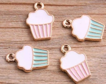Set of 10 Cupcake Charm