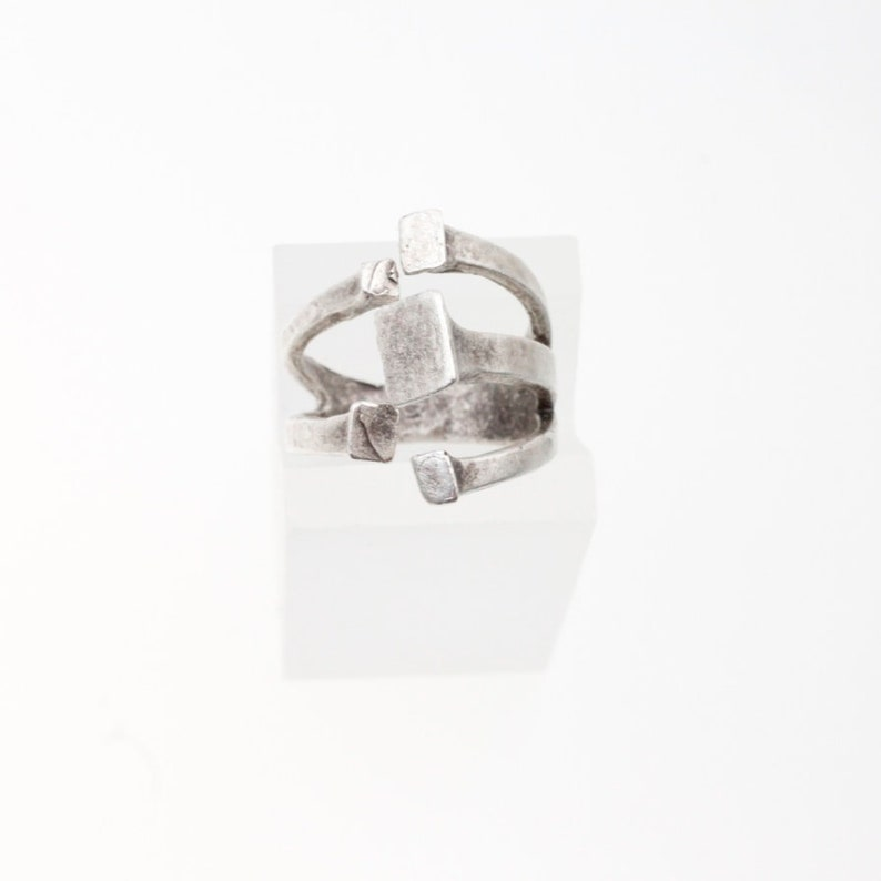 Strong ring Interlaced ring - R102 Five squares ring Oversized unisex circle Gothic jewelry Hammered silver ring Square shape ring