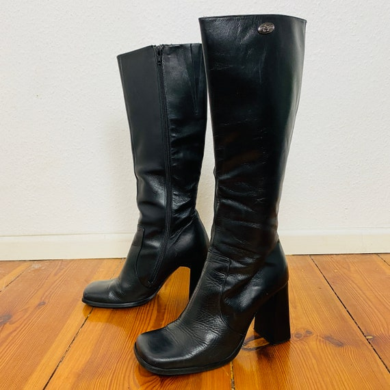 Iconic 90s Vintage Buffalo Leather Boots
