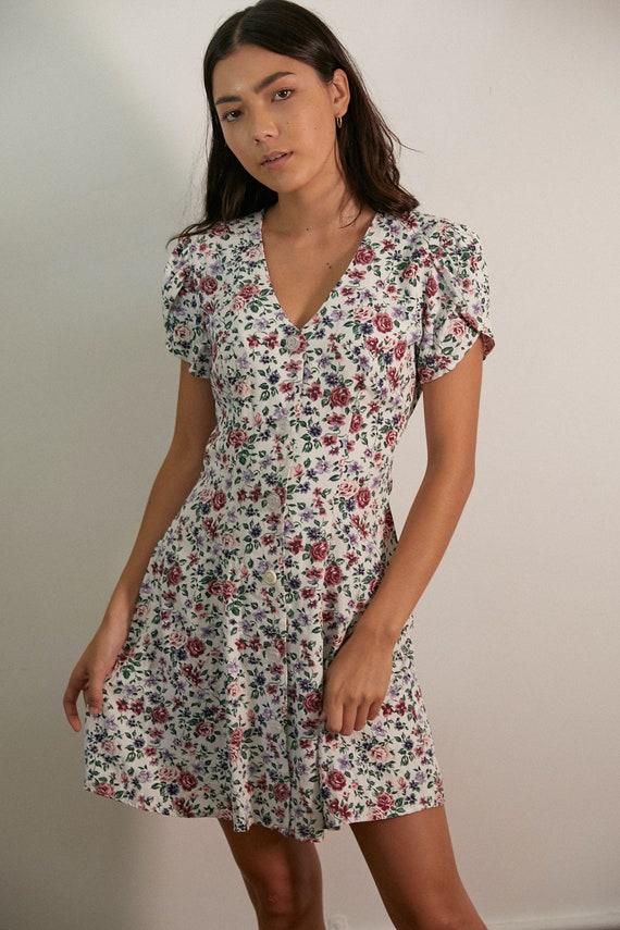 Gorgeous Vintage Floral Short Sleeve Mini Dress