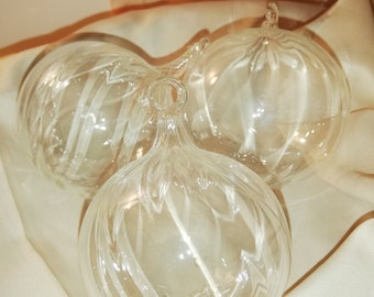 Balls and shapes ribbed glass