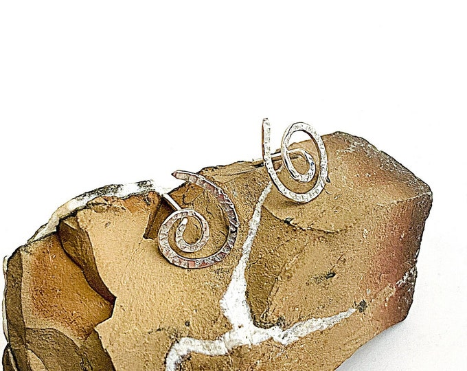 Hammered Silver swirl stud earrings, small spiral minimalist post earrings, trendy artisan jewelry for women