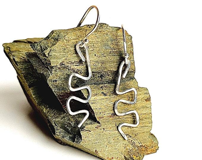 Silver dangle earrings, hammered handmade earrings, small everyday drop earrings, geometric minimalist earrings, Sterling Silver jewelry