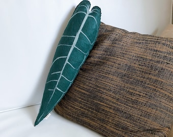 Warocqueanum Leaf Pillow | Decorative Couch Bed Cushion