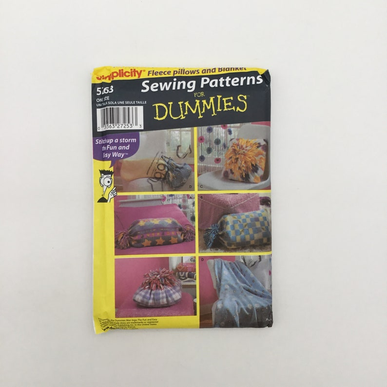 Simplicity 5263 2003  Fleece Pillows and Blanket  Uncut image 0