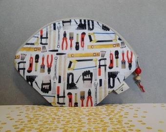 Mask bag FFP2, circles, tool, beige, red, white, mask bag, pliers, yellow, hammer, brush